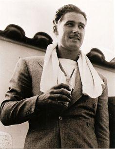 Errol Flynn (1940s) - Imgur