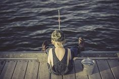 Get the best fishing times and dates for plus expert fishing tips from The Old Farmer's Almanac. Fishing Kit, Fly Fishing Tips, Fishing Supplies, Fishing Girls, Bass Fishing, Fishing Basics, Fishing Tricks, Best Fishing Days, Fly Casting