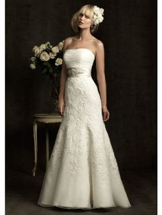 Sheath Strapless Dropped Chapel Trailing Organza With Appliqued Wedding Dresses