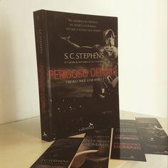 Saleta de Leitura: #SemanaPerigosaDemais  DIA#3 -a autora S.C. Stephens  http://saletadeleitura.blogspot.com.br/2015/01/semana-perigosa-demais-dia3.html …