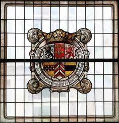 Wappen Herzog Wilhelms V. von Kleve-Jülich-Berg. Fa. Linnemann, 1909. Fenster im Ständesaal, Landratsamt Altena.