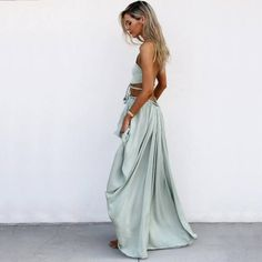I love the color and how comfy this looks. Love how its tight around the top and big and flowy on the bottom half