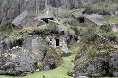 Arte rupestre Huallanca Paucará Huancavelica Perú