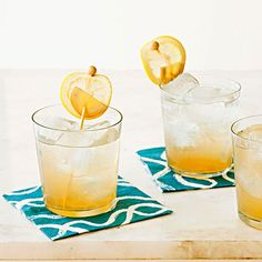 Weeknight Date Night Menu, COCKTAIL   Ginger-Bourbon Fizz #RRMenuPlanner