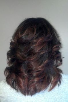 nice length and cut Medium Layered Hair, Medium Hair Cuts, Medium Hair Styles, Curly Hair Styles, Feathered Hair Cut, Feathered Hairstyles, Hair Color And Cut, Layered Haircuts, Keratin
