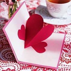Az alább látható - Anyák napjára, vagy Valentin napra ajándék ötletként bemutatott - három dimenziós képeslap elkészítéséhez az alábbiak sz...
