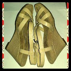 Aerosols Wedge Sandals 7 Tan high heel wedge Sandal AEROSOLES Shoes Sandals