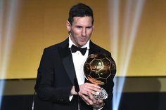 "FIFA separa-se da France Football e muda as regras da ""Bola de Ouro"" https://angorussia.com/desporto/fifa-separa-da-france-football-muda-as-regras-da-bola-ouro/"