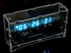 Stavebnice digitálních hodin s elektronkou