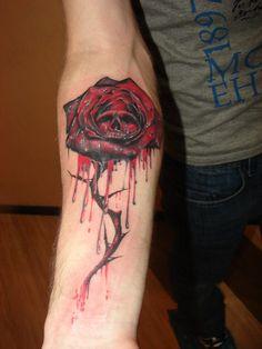 Algo assim que quero tatuar, mas menos dramático e a flor começa no punho.