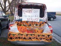 Religious Trunk or Treat ideas. Light the Night Trunk-Or-Treat @ Bethesda Baptist Church - Muscogee Moms Halloween Car Decorations, Halloween Treats, Fall Halloween, Halloween Stuff, Halloween Party, Halloween Costumes, Costumes Kids, Happy Halloween, Halloween Traditions