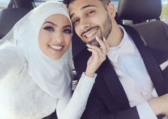 images about ♔ Muslim Couple ♕ on We Heart It Muslim Wedding Gown, Hijab Wedding Dresses, Bridal Hijab, Hijab Bride, Cute Couple Poses, Couple Posing, Muslim Brides, Muslim Women, Cute Muslim Couples