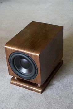 The Tenacious Bass 6 and 8 Subwoofers Diy Subwoofer, Subwoofer Box Design, Speaker Box Design, Audiophile Speakers, Speaker Amplifier, Stereo Speakers, Diy Bluetooth Speaker, Speaker Plans, Car Audio Systems