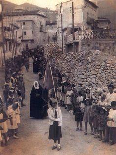 In processione
