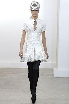 Balenciaga Fall 2006 Ready-to-Wear Fashion Show - Diana Dondoe