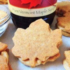 Crisp, buttery, maple-flavored shortbread cookies, sandwiched around rich maple syrup cream filling