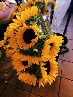 Milky Way Photography, Tumblr Photography, Outdoor Photography, Yellow Aesthetic Pastel, Flower Aesthetic, Fred Instagram, Good Day Sunshine, Sunflower Wallpaper, Photo D Art