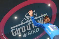 Giro d'Italia @giroditalia The new Maglia Azzurra, @benatintxausti #giro pic.twitter.com/SuiZY3VpPa