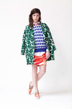 Mother of Pearl collabs with Biggs and Collings for a collection that was high octane on prints and clashing colours.