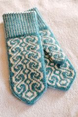 Ravelry: knottybits' Mag Mittens for swap