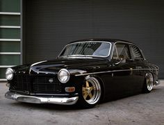 Volvo by Stance Works Volvo 122, Jetta Vw, Vintage Cars, Antique Cars, Volvo Amazon, Auto Retro, Volvo Cars, Modified Cars, Amazing Cars
