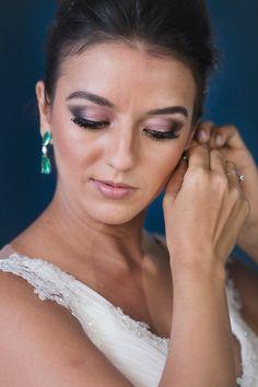 Beleza criada por Silvio Cruz. O casamento de Maria Clara e Thiago foi publicado no Euamocasamento.com, e as fotos são de V Rebel. #euamocasamento #NoivasRio #Casabemcomvocê