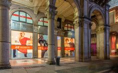 H&M apre un nuovo negozio a Milano in Piazza del Duomo  le foto dell'interno del negozio in anteprima....  http://www.theshoppinguide.it/2014/12/h-apre-un-nuovo-negozio-milano-in.html #hm #shop #milano #milan #flagship