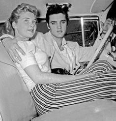 ♡♥On April 19th,1957 Yvonne Lime is relaxing with 22 yr old Elvis Presley in his pink cadillac