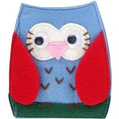 Made from felt, this fun owl needle case has googly eyes and opens up to reveal two felt leaves to safely store your needles.  Five needles are also included just to get you started!