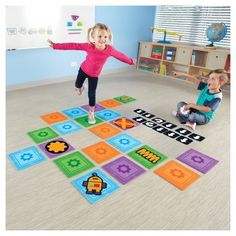 Introduce the world of coding to little learners with this activity set that brings hands-on learning to your home and makes coding fun! Stem Skills, Gross Motor Skills, Stem Learning, Learning Resources, Learning Games, Teacher Resources, Computational Thinking, Lego Challenge, Coding For Kids