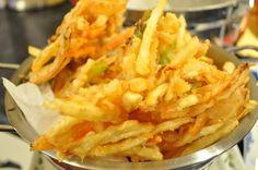 Korean vegetable fries or tempura (야채튀김 Yache Twigim) | Kimchimari Asian Recipes, New Recipes, Cooking Recipes, Ethnic Recipes, Asian Foods, Favorite Recipes, Korean Vegetables, Fried Vegetables, Korean Dishes