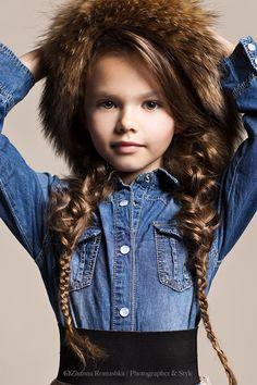Picture of Diana Pentovich Kids Winter Fashion, Cute Kids Fashion, Girl Fashion, Beautiful Children, Beautiful Babies, Beautiful People, Very Pretty Girl, Pretty Woman, Stylish Kids