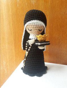 Crochet Dolls, Crochet Hats, Nursing Home Gifts, Mary And Jesus, Christmas Crochet Patterns, Christmas Items, Amigurumi Doll, Christian, Crafty