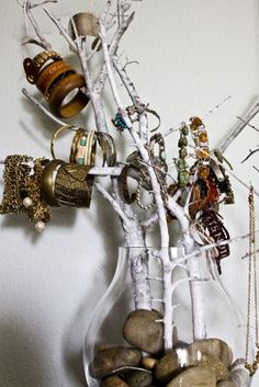 jewelry hanger idea DIY // #DIY - #Creative