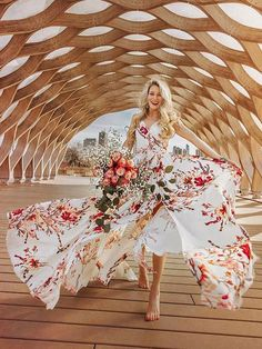 Look classy in this Floral Maxi Dress Chiffon Wrap Dress Women Split Summer Dress! Floral Chiffon Maxi Dress, Boho Dress, Dress Up, Wrap Dress, Dress Ootd, Mode Country, Moda Floral, Bohemia Dress, Look Boho