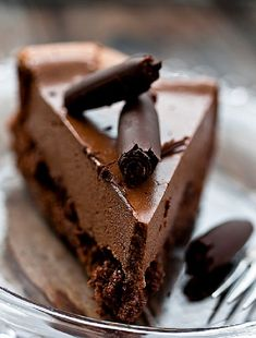"""Double chocolate mousse gluten free cake There is a """"translate"""" button at the top left of the screen that is easy to use! Food Cakes, Cupcake Cakes, Cupcakes, Chocolate Mousse Cake, Chocolate Desserts, Craving Chocolate, Chocolate Cream, Gluten Free Sweets, Gluten Free Cakes"""