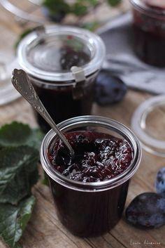 Gem de prune fiert la cuptor, reteta simpla si delicioasa de gem de toamna. Gem cu prune preparare si ingrediente. Reteta gem de prune.