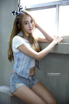 Oh Ah Hee - Studio Photo Shoot