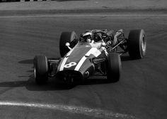 Jochen Rindt - Cooper - 1966 - GP do México (Cidade do México) Maserati, Bugatti, Jochen Rindt, Gilles Villeneuve, Vintage Race Car, Car Pictures, Grand Prix, Race Cars, Mexico
