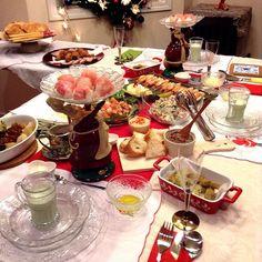 クリスマスパーティー Foorichさんのレシピで、ホタテとピンクグレープフルーツのカルパッチョ、レバーペースト、アボカドフィンガーフードどれも簡単で美味し〜そして、枝豆ポタージュ、プロシュートの手毬寿司、天使のエビ、フライドチキン、チャーシュー、キヌアのサラダ、ゲストさんお手製のマンハッタンポーク、珍しいお料理ハムス、どれも美味しく何度もお代わりしてお腹はパンパンよ〜♪(´ε` ) #クリスマス#クリスマスパーティー#夜ごはん#おうちごはん #おうちパーティー#家族#インスタフード#ホムパ#Christmas #Christmasparty #Xmas #family #party #dinner #eatandtreats #foodgasm #foodlove #foodvsco #instafood #instagood#hummus#おもてなし#テーブルコーディネート