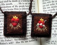 Escapulario marrón con adorno de bordados mano, sagrado y el inmaculado corazón, 100% lana con algodón bordado, hecho a la medida