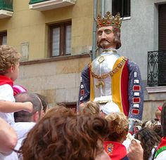 Giants and Big Heads parade during San Fermin Fiesta. Pamplona, Places To See, Spain, Princess Zelda, Big, Fictional Characters, Fantasy Characters
