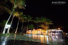 Um lindo casamento na praia de Coqueiral de Aracruz, realizado no Coqueiral Praia Hotel, com o Le Buffet nos comes e bebes e Chocolateria Brasil. Vejam: