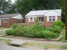 ♥Ferguson resident wins fight for front yard vegetable garden♥ With the help of an attorney from the Libertarian group Freedom Center of Missouri, Tricamo emerged victorious on Wednesday night when the city's Board of Adjustment voted to throw out the citation against him.