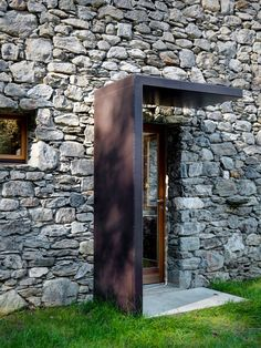EV+A Lab Atelier d'architettura 22 is part of Facade house - EV+A Lab Atelier d'architettura Photograph by Marcello Mariana Architecture Durable, Detail Architecture, Architecture Renovation, Modern Architecture, Stone Facade, Stone Masonry, Modern Exterior, Exterior Design, Dream Home Design