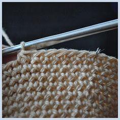 Háčkovánky: Háčkovaný dětský medvídek Crochet, Fashion, Moda, Fashion Styles, Ganchillo, Crocheting, Fashion Illustrations, Knits, Chrochet