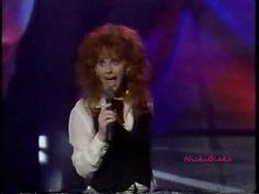 Reba McEntire - Why Haven't I Heard From You (Interview and Performanc Clothing Co, Reba Mcentire, Interview, Queen, Country, City, Videos, Music, Musica