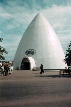 """1939 NY Fair: """"The Carrier Air Conditioning building was a giant igloo. Get the message?"""""""