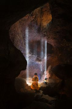 Monk In Cave by Tippawan Kongto on Temple Buddhist Buddha, Art Asiatique, Buddhist Monk, Exotic Places, Jolie Photo, Nice To Meet, Photos, Pictures, Asia Travel