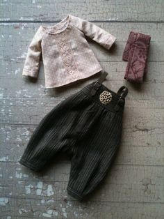 Land Girl Set for Blythe - Striped by moshimoshi studio Doll Wardrobe, Girls Wardrobe, Doll Clothes Patterns, Clothing Patterns, Barbie Clothes, Sewing Clothes, Bjd, Baby Outfits, Tilda Toy